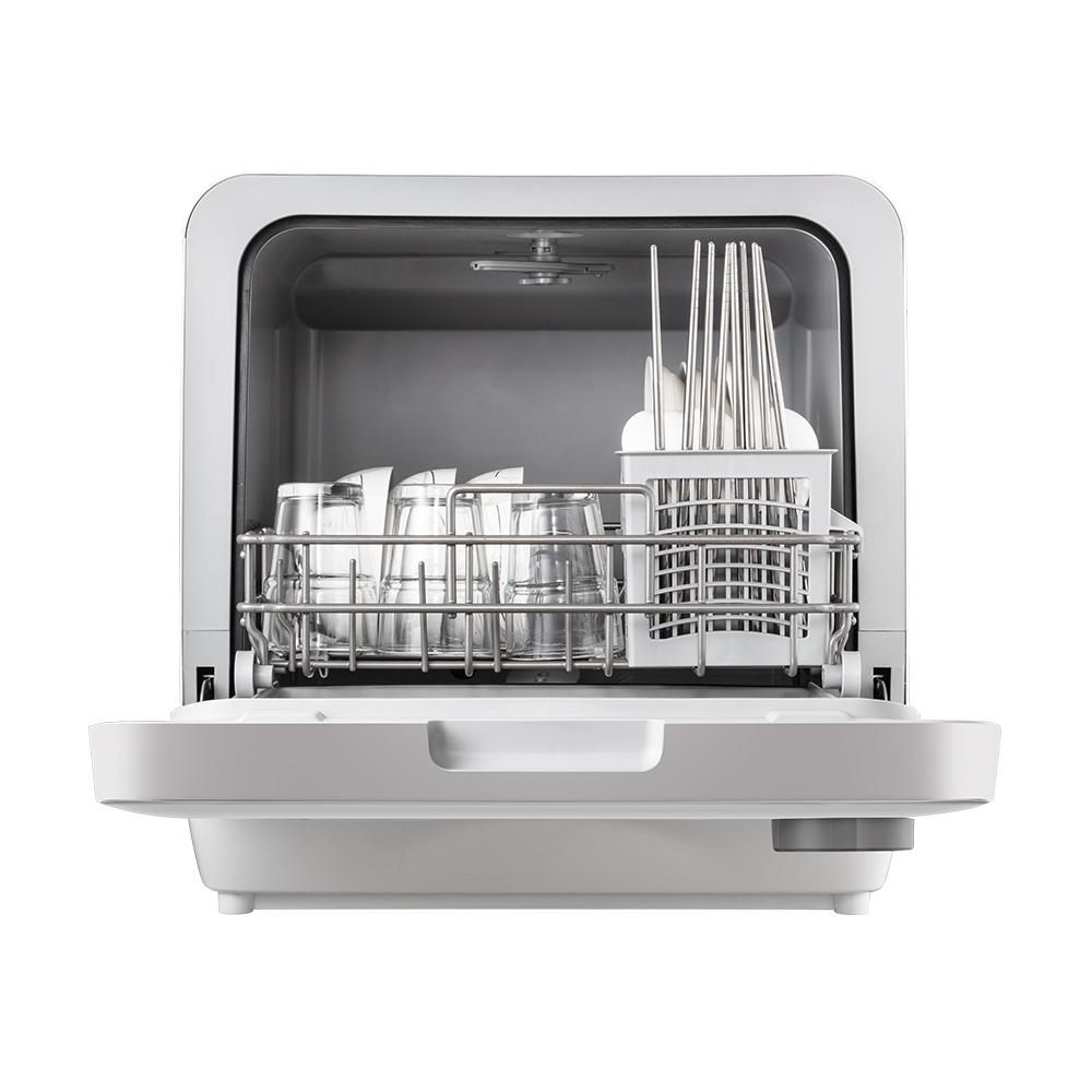 冷凝+热风双烘干,强效抑菌净味,360°立体冲洗,4+3种洗涤模式,72℃高温除菌,除菌率达99.99%适用四口之家